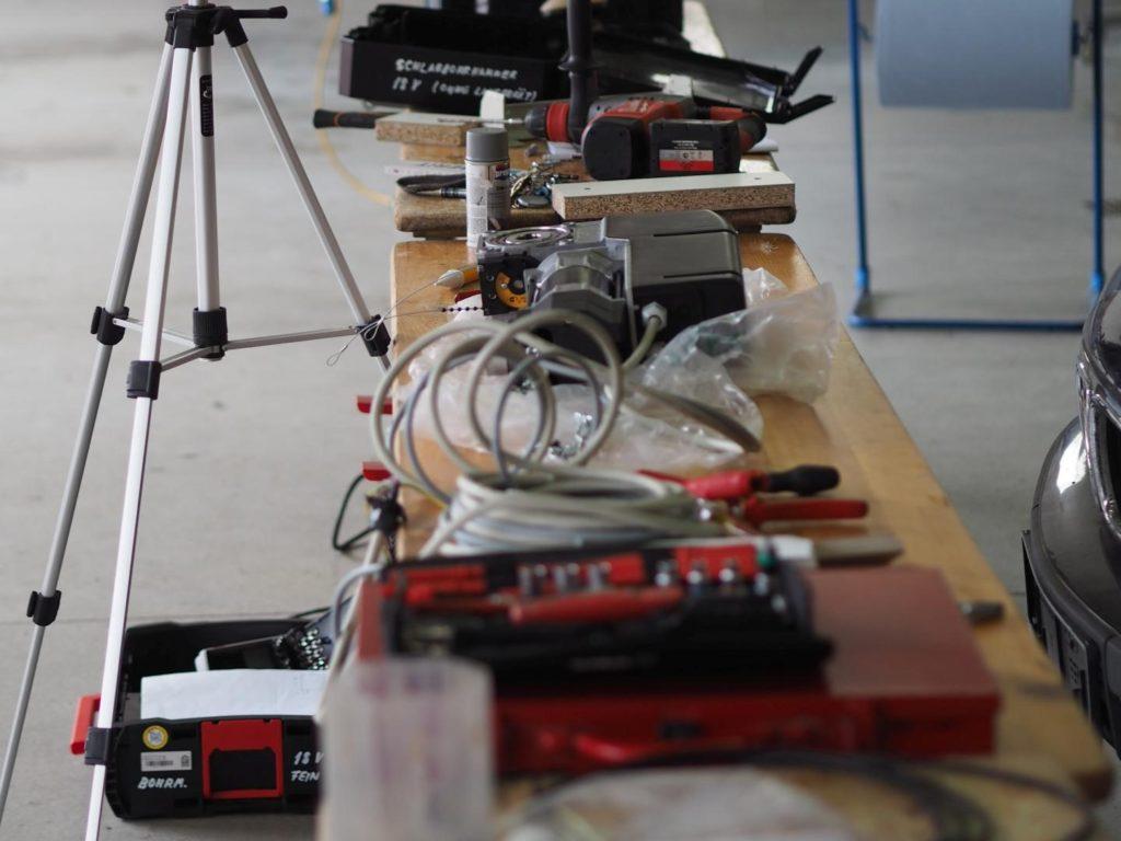 Einbau elektrischer Torantriebe